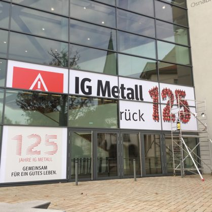 ig-metall-fassadenbeklebung4