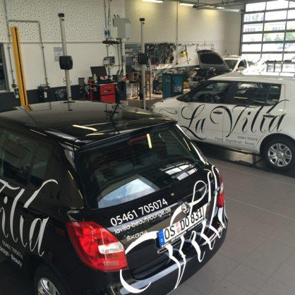 la-villa-autoklebung2